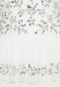 Maya Deluxe - TIERED EMBELLISHED CAMI DRESS - Společenské šaty - white - 2
