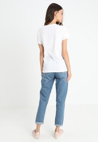 GAP - TEE - T-shirt z nadrukiem - white - 2