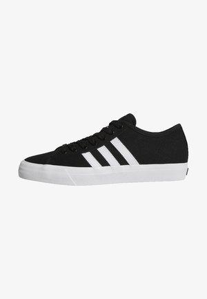 Matchcourt RX Shoes - Trainers - core black/footwear white