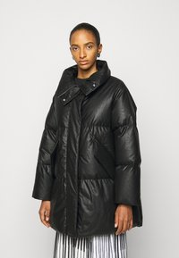 MM6 Maison Margiela - Down coat - black - 0