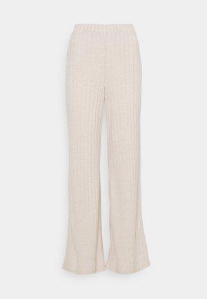 VMTILDA PANT - Pantalones - creme brûlée melange