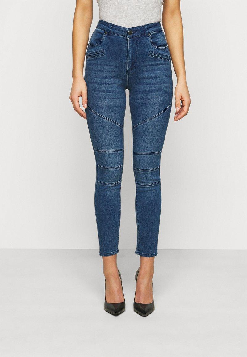 Vero Moda Petite - VMSOPHIA BIKER - Skinny džíny - dark blue denim