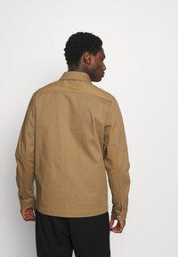 Selected Homme - SLHMORRIS JACKET - Summer jacket - otter - 2