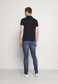 Tommy Hilfiger - SLIM LAYTON GAINES  - Slim fit jeans - blue denim - 2