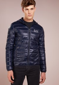 EA7 Emporio Armani - JACKET - Gewatteerde jas - night blue - 0