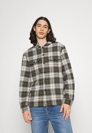 KROSS OVERSHIRT - Shirt - military