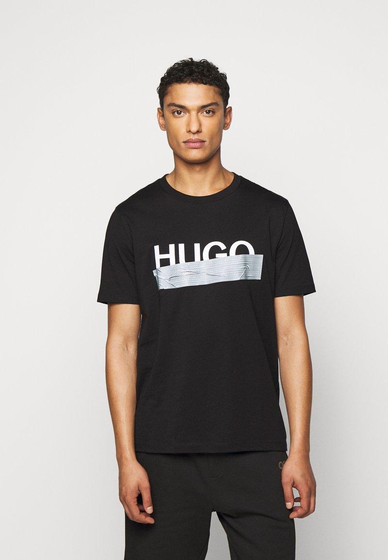 HUGO - DICAGOLINO - Triko spotiskem - black