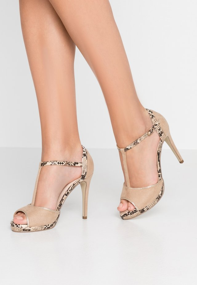 High heeled sandals - arena