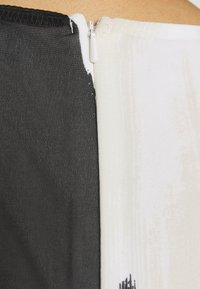 Wallis - SMUDGE COLOURBLOCK PLEATED MAXI - Suknia balowa - black - 5