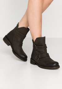 Felmini - COOPER - Cowboy/biker ankle boot - militar - 0