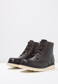 Eastland - LUMBER UP - Lace-up ankle boots - black - 2