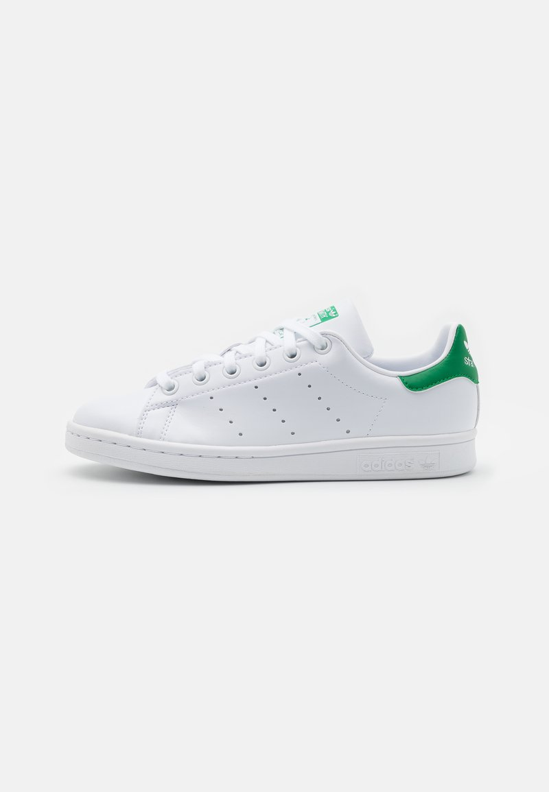 adidas Originals - SUSTAINABLE STAN SMITH UNISEX - Sneakers laag - footwear white/green