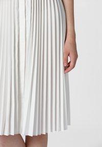 Apart - KLEID - Vestido camisero - cream - 4
