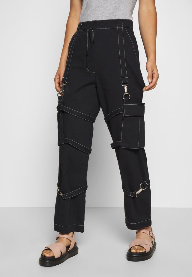 PANT WITH TRIGGERS - Broek - black