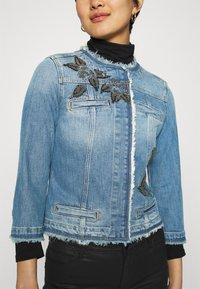 Liu Jo Jeans - GIACCA KATE - Jeansjakke - light blue denim - 3