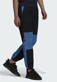 adidas Originals - Pantaloni sportivi - black/blue - 2