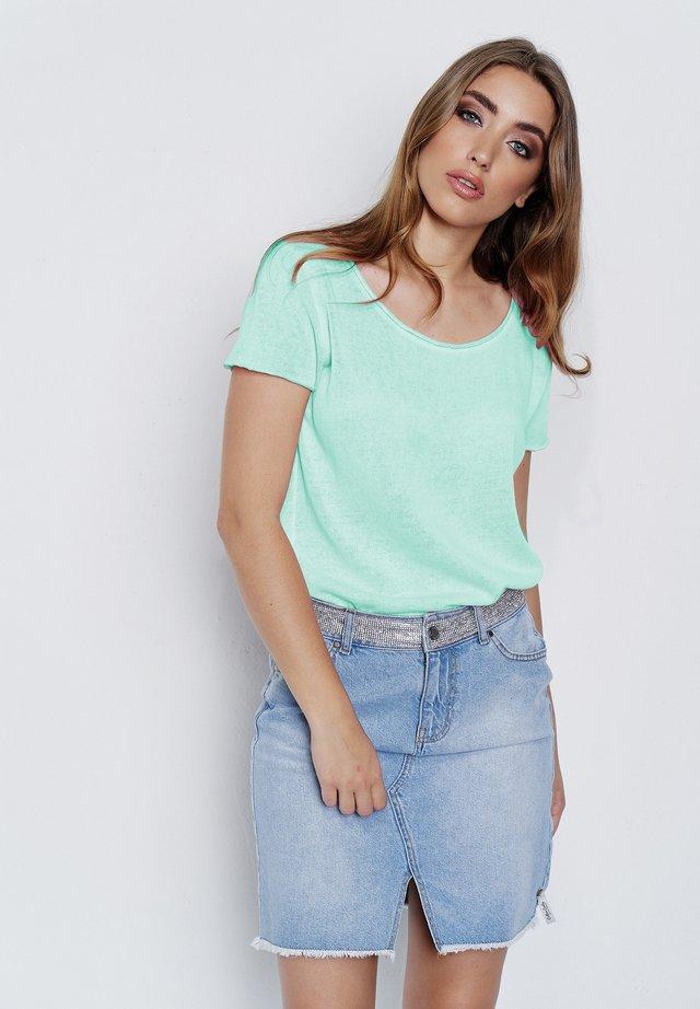 ARABELLA - Basic T-shirt - neon mint