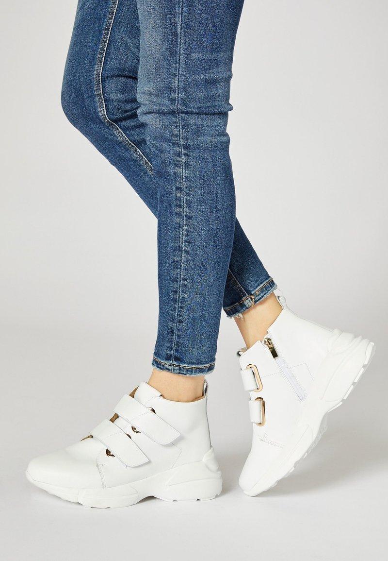 RISA - Sneakersy wysokie - white