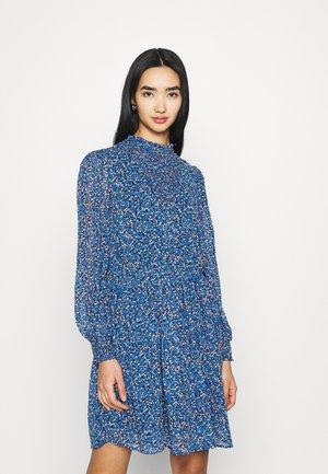 PCTILLE DRESS - Vestido informal - sapphire