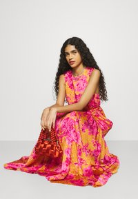 Ted Baker - BAMBIA - Robe longue - yellow - 3