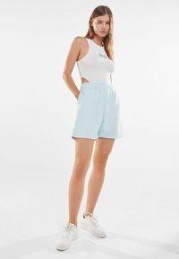 Bershka - Shorts - turquoise - 1