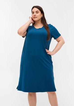 MIT SCHLITZ - Jersey dress - blue