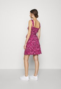 Dorothy Perkins - SPOT RUFFLE FIT AND FLARE - Jerseykjole - pink - 2