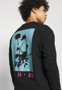 Jack & Jones PREMIUM - JPRBLA PARADOX CREW NECK - Sweatshirt - black - 3