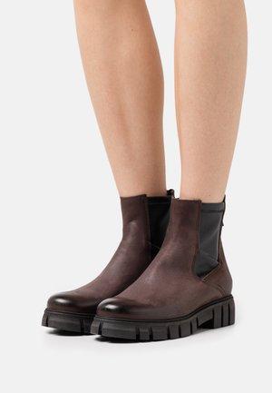 SAURA - Platform ankle boots - morat/wonderful chocolate/black