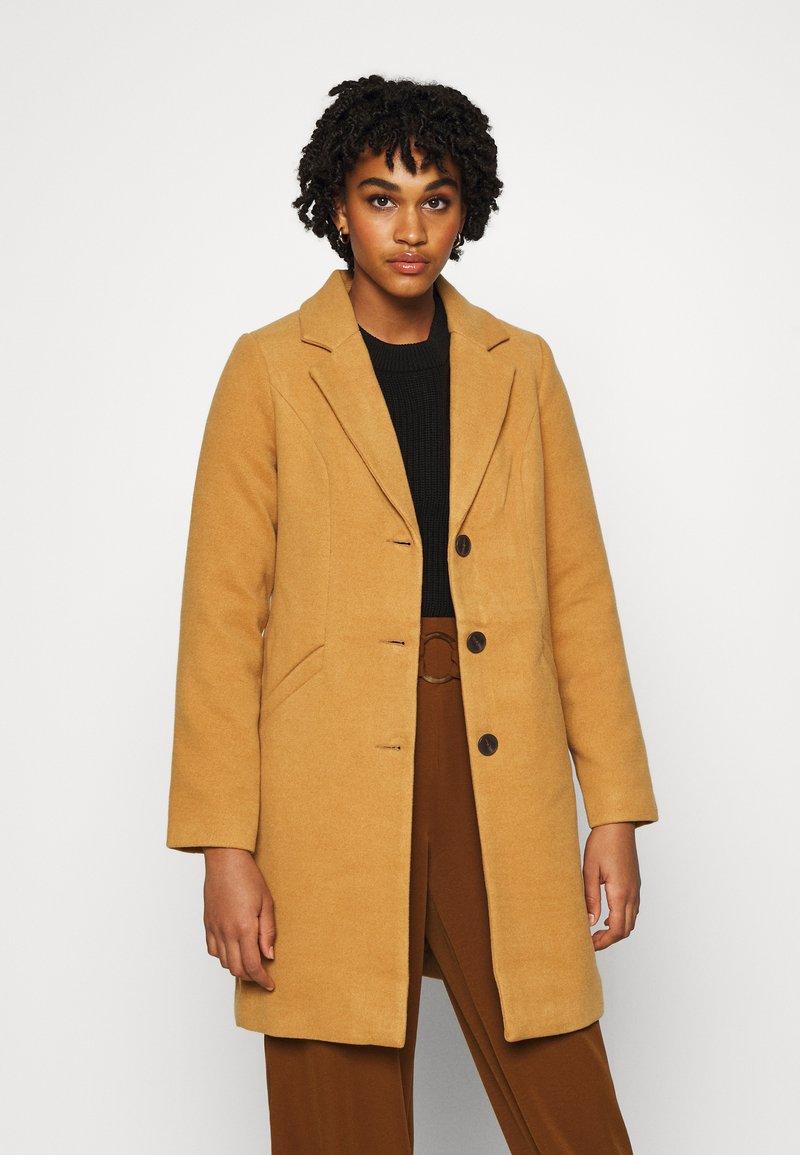 Vero Moda - VMCALACINDY - Zimní kabát - tobacco brown