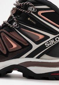 Salomon - X ULTRA 3 MID GTX  - Hiking shoes - peppercorn/black/coral almond - 5