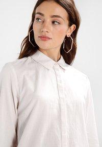 Selected Femme - SLFNOELLA - Button-down blouse - sepia rose/snow white - 6