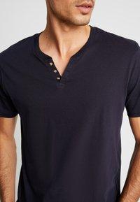 CELIO - NEBET - Basic T-shirt - navy blue - 5