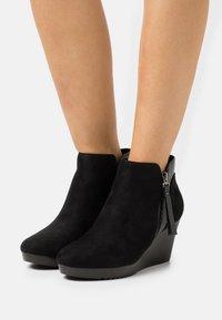 Wallis - AGENT - Platform ankle boots - black - 0