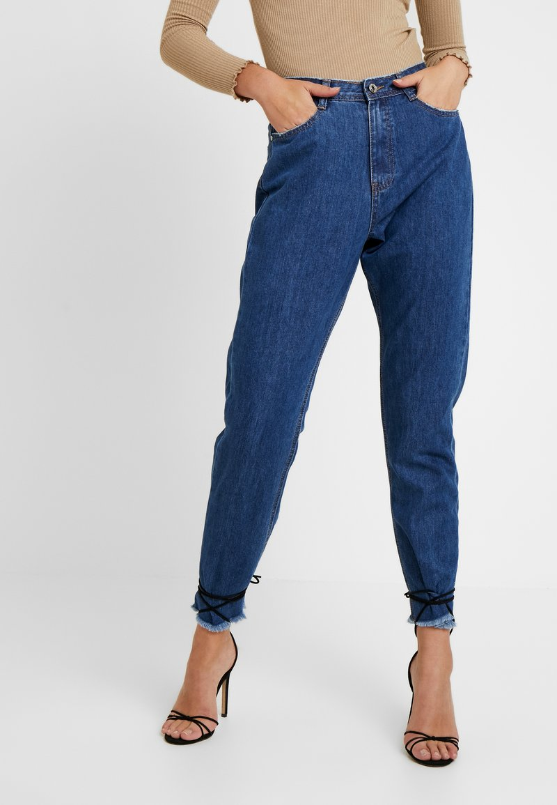 Missguided Tall - WRATH MID RISE CLEAN CUT HEM - Džíny Relaxed Fit - blue