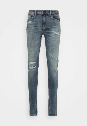 FINSBURY WISER WASH - Skinny džíny - denim