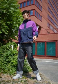 adidas Originals - WINDBREAKER - Tunn jacka - legend ink/glory purple - 1