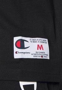 Champion - ROCHESTER RETRO BASKET V NECK - Print T-shirt - black - 4