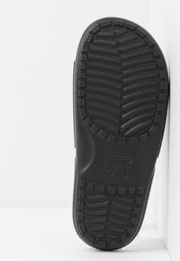 Crocs - CLASSIC SLIDE - Sandały kąpielowe - black - 6