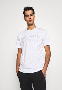 HUGO - DOLIVE - Triko spotiskem - white - 0