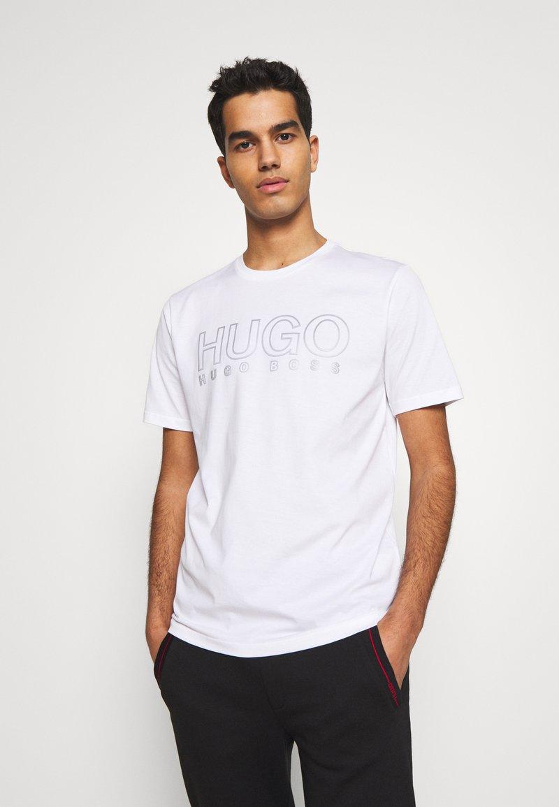 HUGO - DOLIVE - Triko spotiskem - white