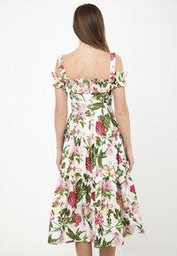 Madam-T - MICHELINA - Day dress - white / khaki - 2