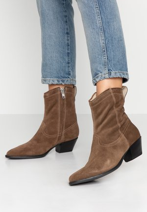 EMILY - Cowboy/biker ankle boot - taupe