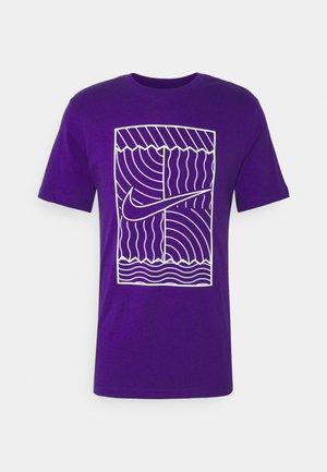 TEE COURT  - Print T-shirt - purple/white