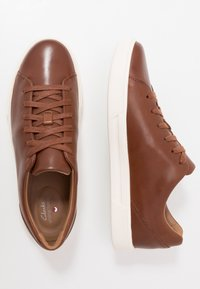 Clarks - UN COSTA LACE - Trainers - british tan - 1
