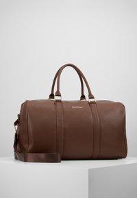 Valentino by Mario Valentino - FILIPPO - Weekend bag - moro - 0