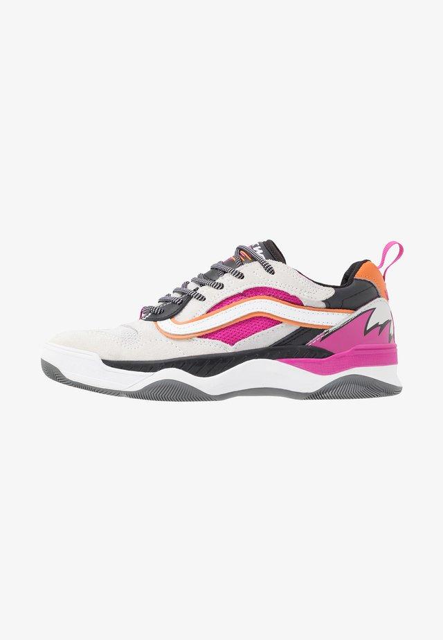 BRUX WC - Skate shoes - true white/black