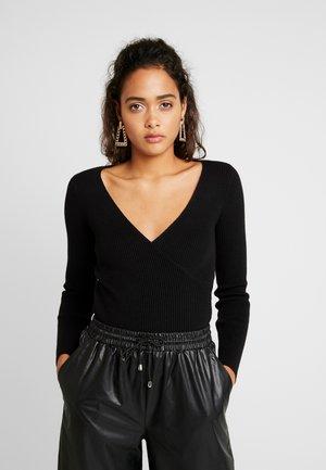 HALLIE - Stickad tröja - black