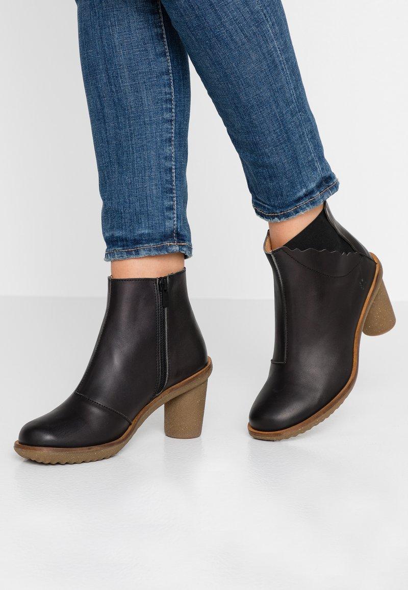 El Naturalista - TRIVIA - Ankle boots - black