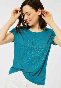 Cecil - MIT BURNOUT-OPTIK - Print T-shirt - blue - 0